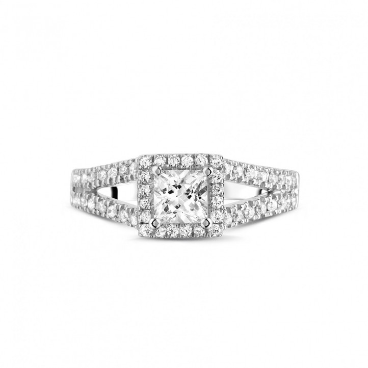 0.50 Karat Solitärring aus Weißgold mit Prinzessdiamanten und kleinen Diamanten