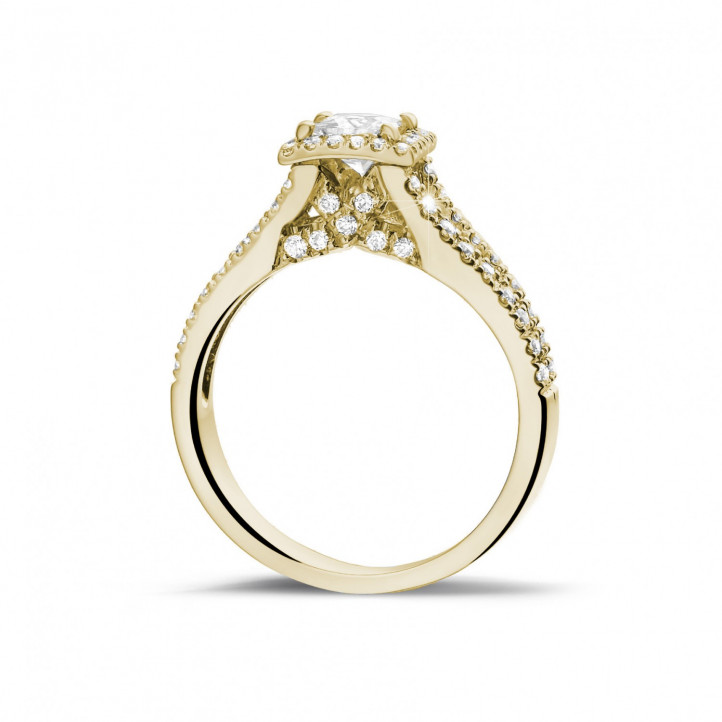 0.50 Karat Solitärring aus Gelbgold mit Prinzessdiamanten und kleinen Diamanten