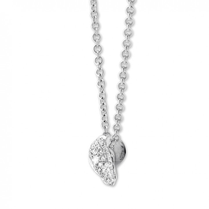 0.25 Karat diamantene Design Halskette aus Weißgold