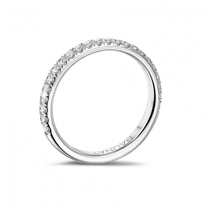 0.35 Karat Memoire Ring (zur Hälfte besetzt) aus Platin mit runden Diamanten