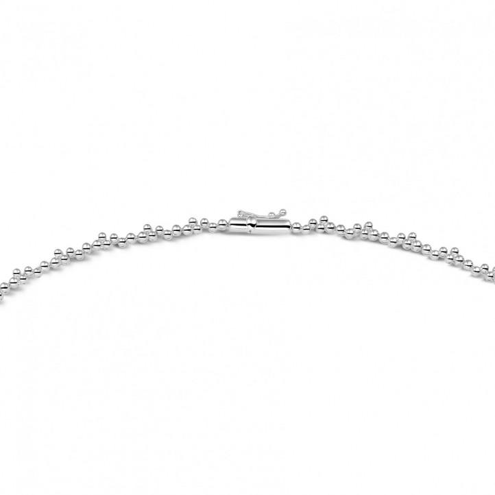 7.00 Karat Halskette aus Weißgold mit runden und Marquise Diamanten
