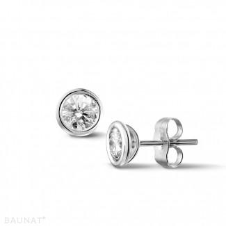 0.60 Karat diamantene Ohrringe in Zargenfassung aus Platin