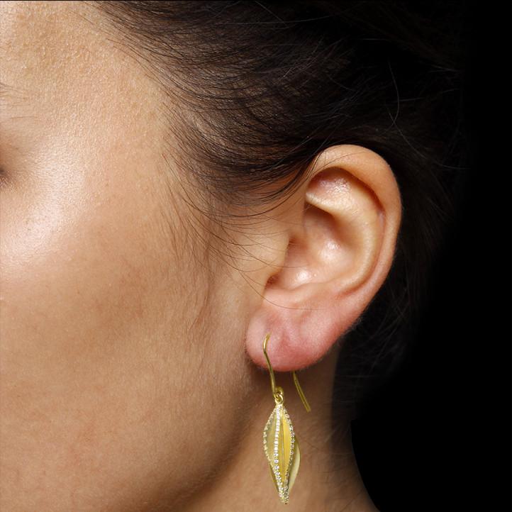 2.26 Karat Diamant Design Ohrringe aus Gelbgold