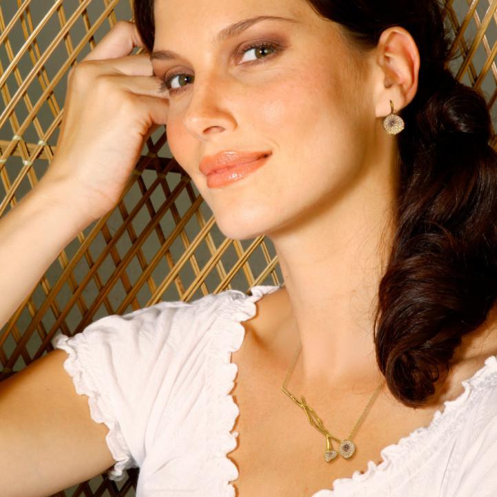 0.73 Karat diamantene design Halskette aus Gelbgold