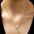 0.36 Karat diamantene Libelle Halskette aus Gelbgold
