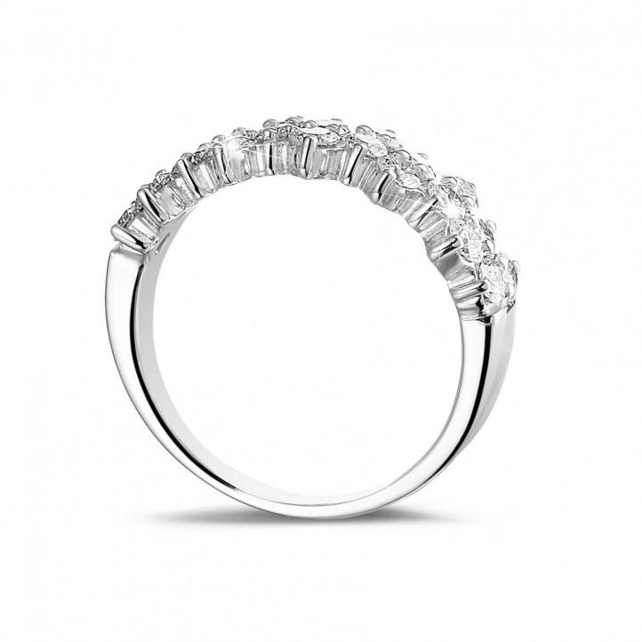1.20 Karat diamantener Memoire Ring aus Weißgold