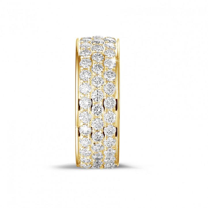1.70 Karat Memoire Ring aus Gelbgold mit drei Reihen runder Diamanten