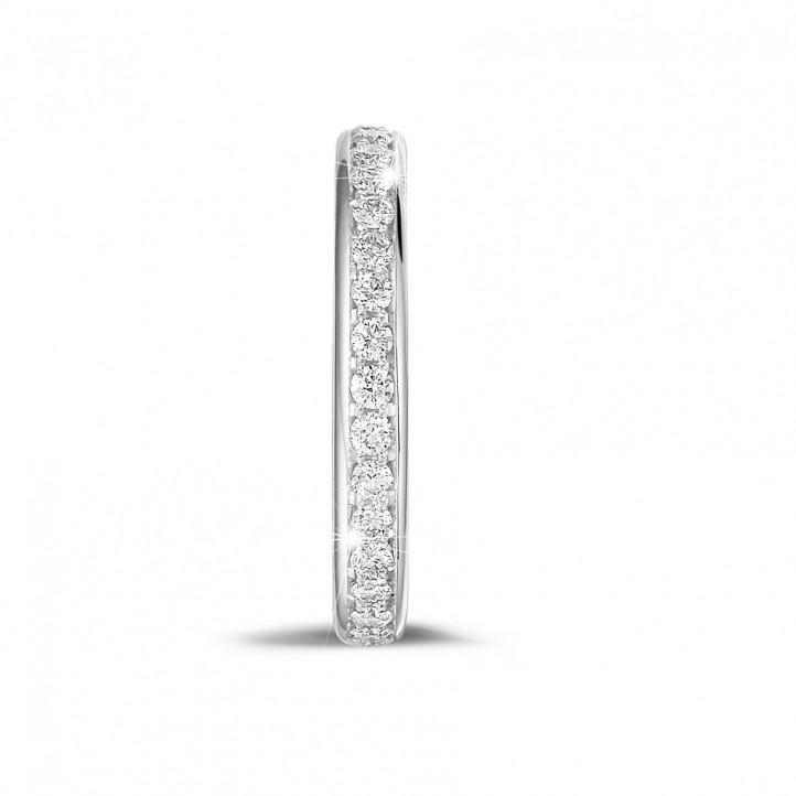 0.55 Karat diamantener Memoire Ring (rundherum besetzt) aus Platin