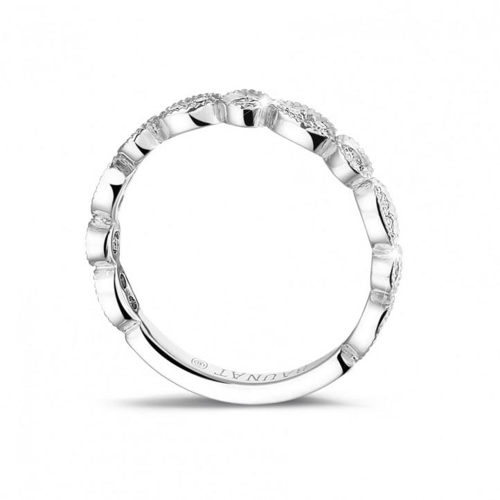 0.30 Karat diamantener Kombination Memoire Ring aus Platin mit Marquisedesign