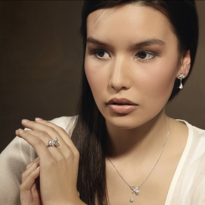 0.55 Karat Diamant Blumen & Libellen Design Ring aus Rotgold