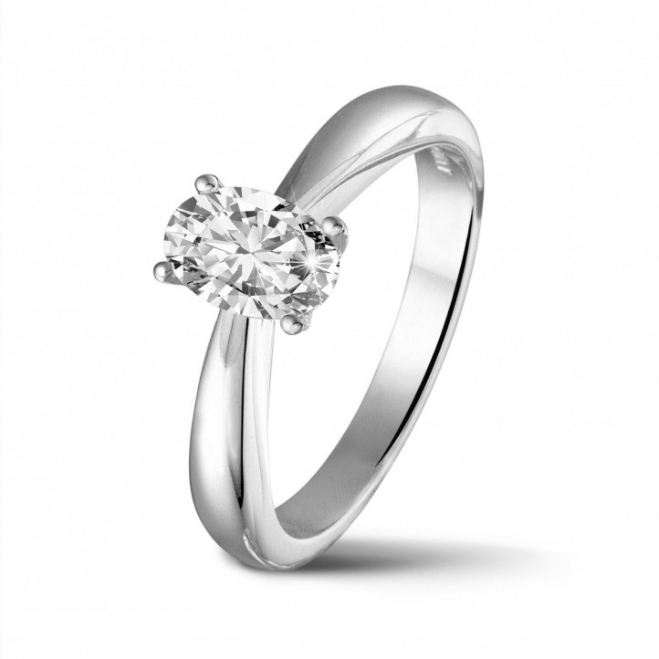 0.58 Karat Solitärring aus Platin mit ovalem Diamant