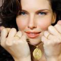 0.40 Karat diamantenes Design Medaillon aus Gelbgold