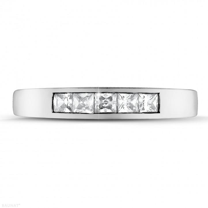 0.50 Karat Memoire Ring mit Prinzessdiamanten aus Weißgold