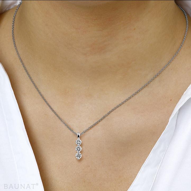 0.75 Karat Trilogie Diamantanhänger aus Platin