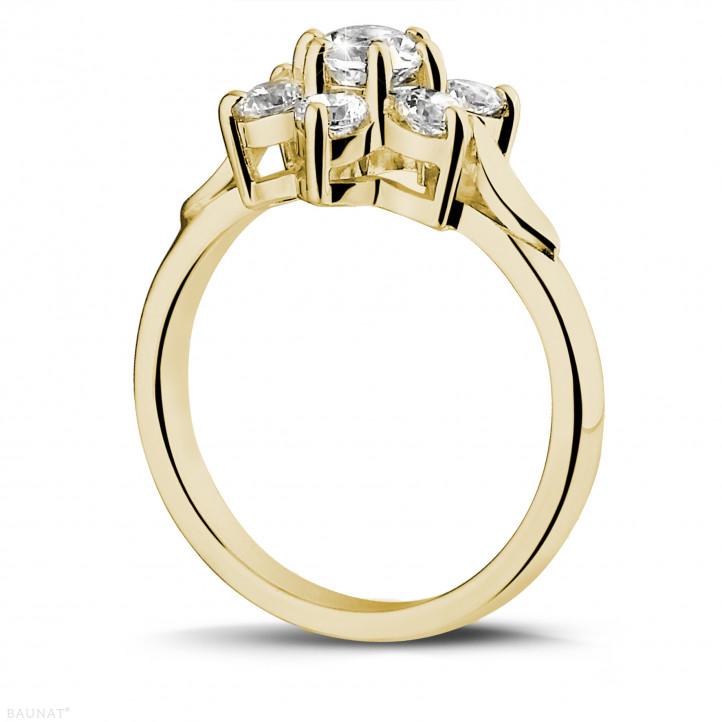 1.15 Karat diamantener Blumenring aus Gelbgold