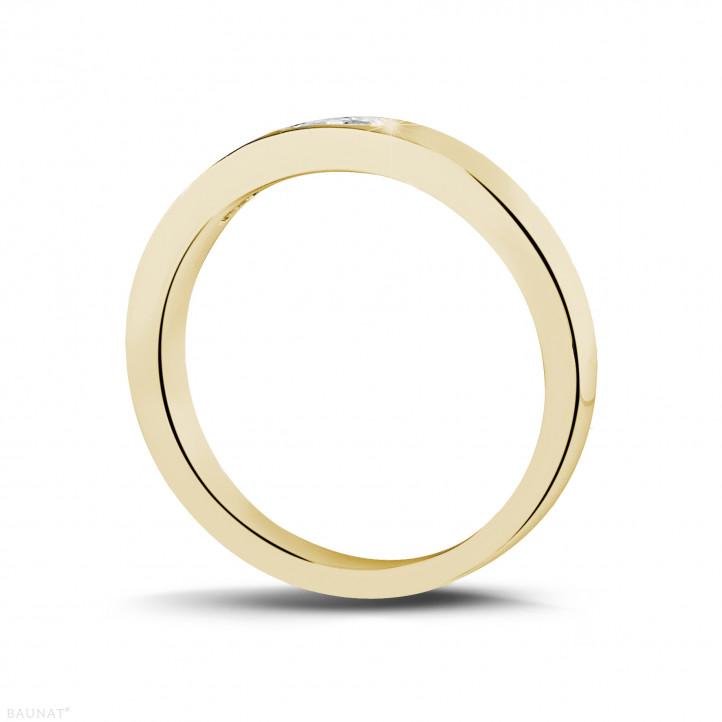 0.30 Karat Memoire Ring mit Prinzessdiamanten aus Gelbgold