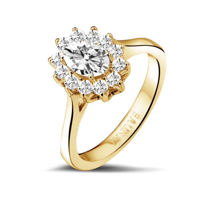 1.00 Karat Entourage Ring mit ovalem Diamanten aus Gelbgold