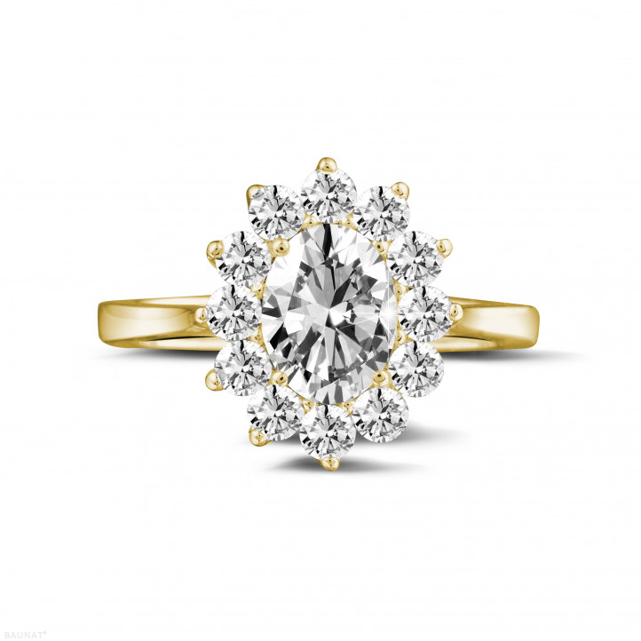 1.85 Karat Entourage Ring mit ovalem Diamanten aus Gelbgold