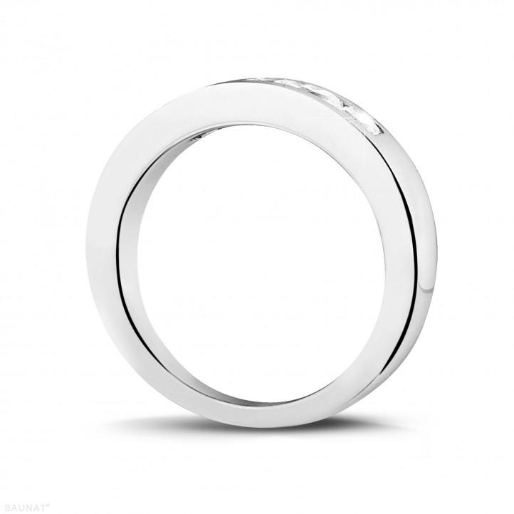0.75 Karat Memoire Ring mit Prinzessdiamanten aus Platin