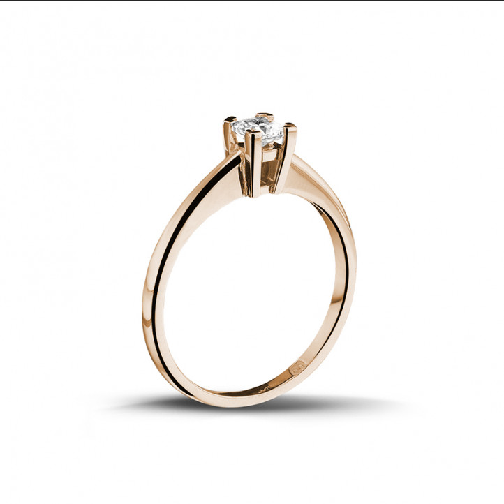 0.30 carat solitaire ring in red gold with princess diamond