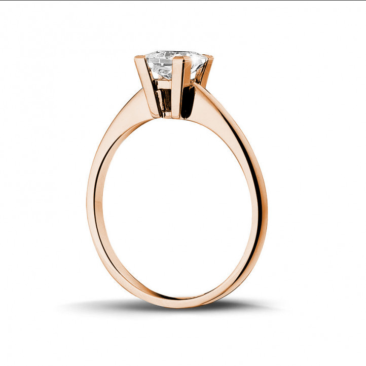 1.00 carat solitaire ring in red gold with princess diamond