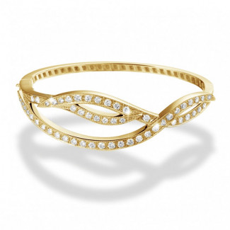 Bracelets - 2.43 carat diamond design bracelet in yellow gold