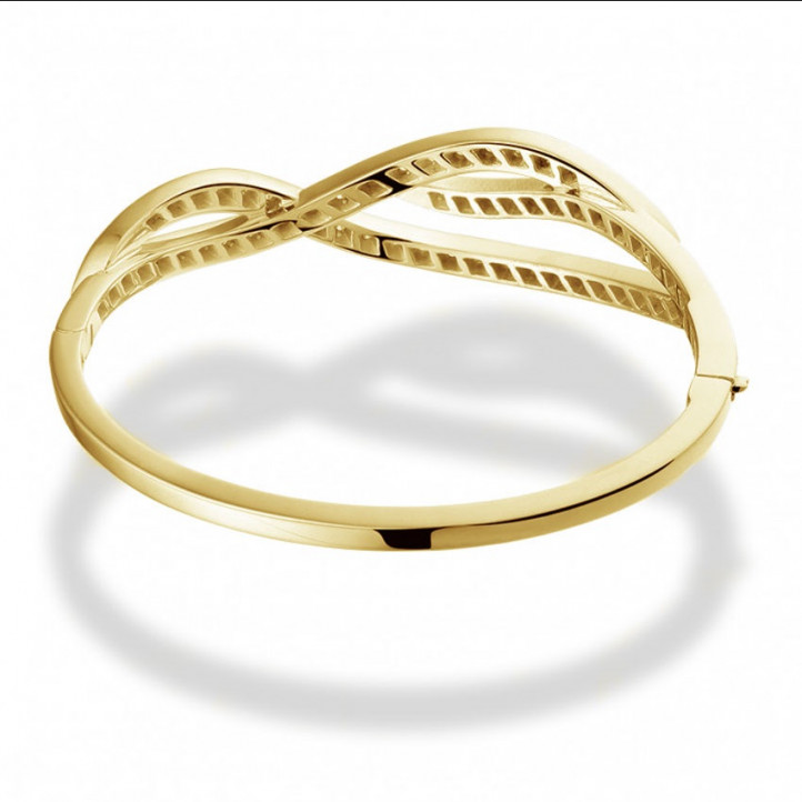 2.43 carat diamond design bracelet in yellow gold