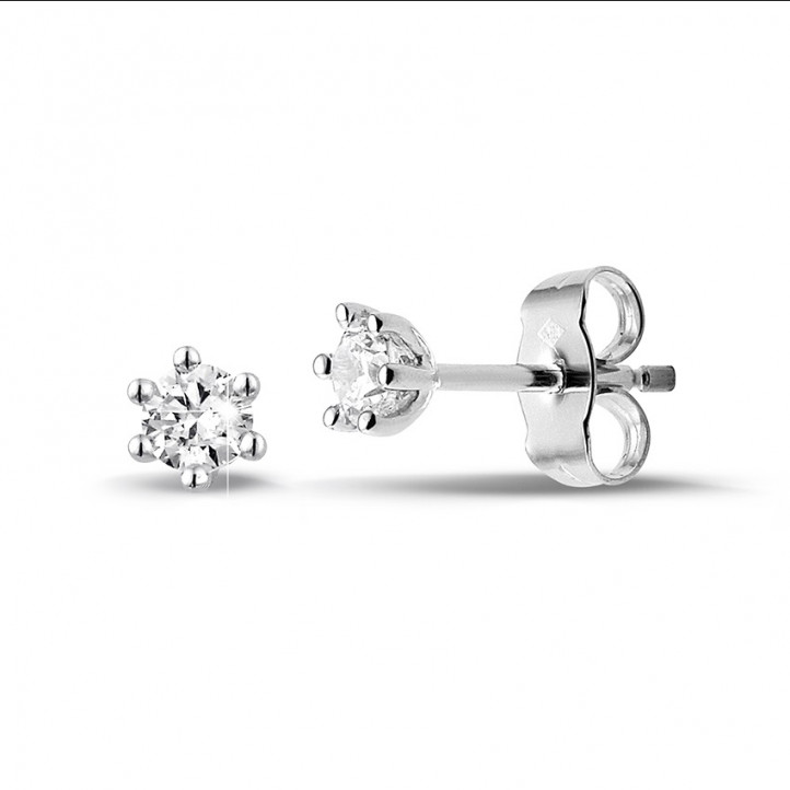 0.30 carat classic diamond earrings in white gold with six prongs