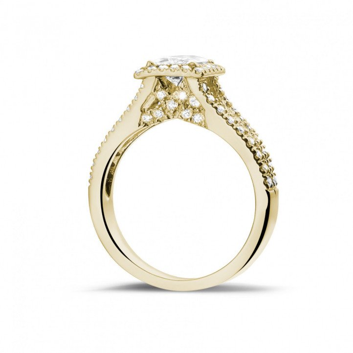 0.70 carat solitaire ring in yellow gold with princess diamond and side diamonds