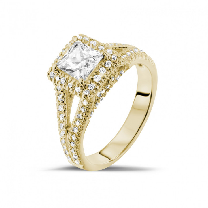 1.00 carat solitaire ring in yellow gold with princess diamond and side diamonds
