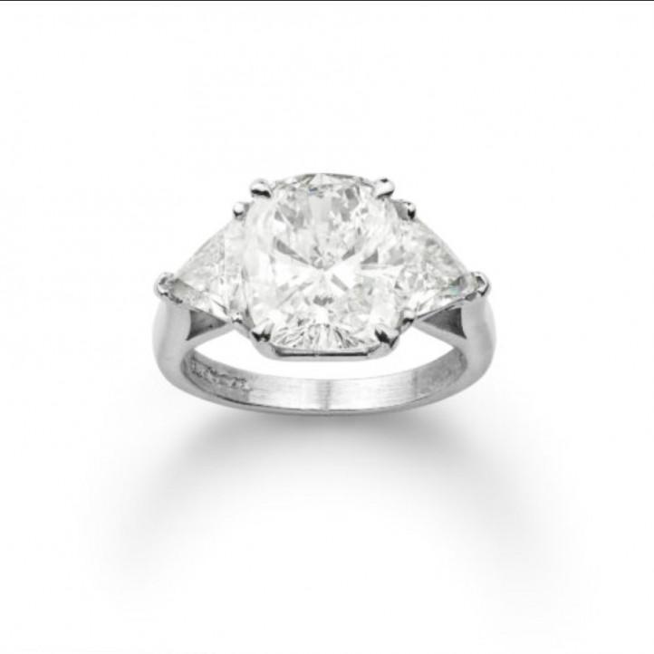 Irina Rivjera - Ring in white gold with cushion and trilliant diamonds