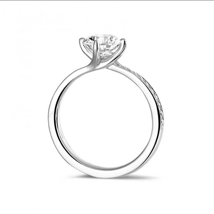 1.25 carat solitaire diamond ring in platinum with side diamonds