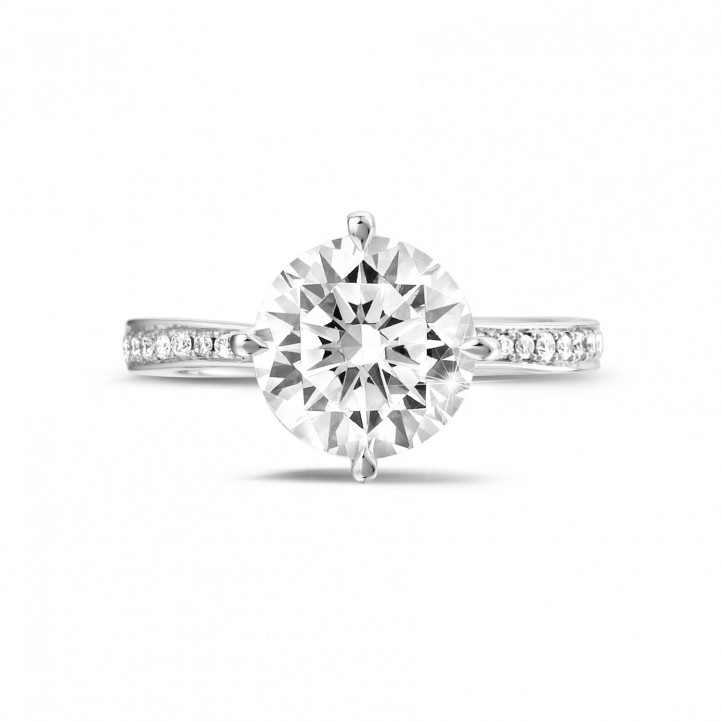 2.50 carat solitaire diamond ring in platinum with side diamonds