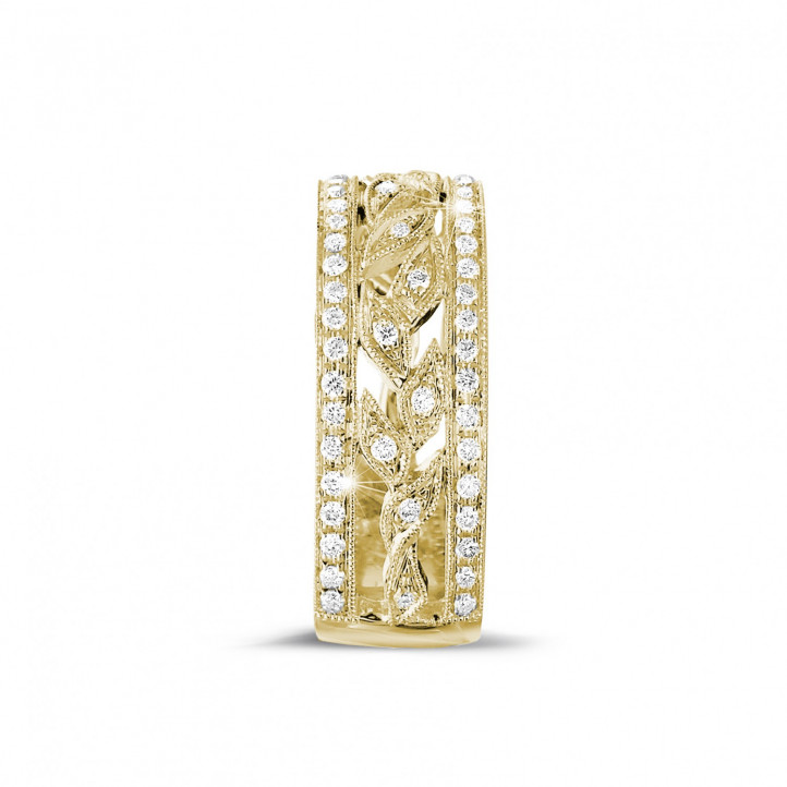 0.35 carat wide floral alliance in yellow gold with small round diamonds