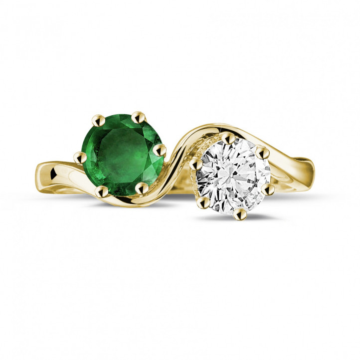Toi et Moi ring in yellow gold with round diamond and emerald
