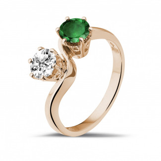 Red Gold Diamond Engagement Rings - Toi et Moi ring in red gold with round diamond and emerald