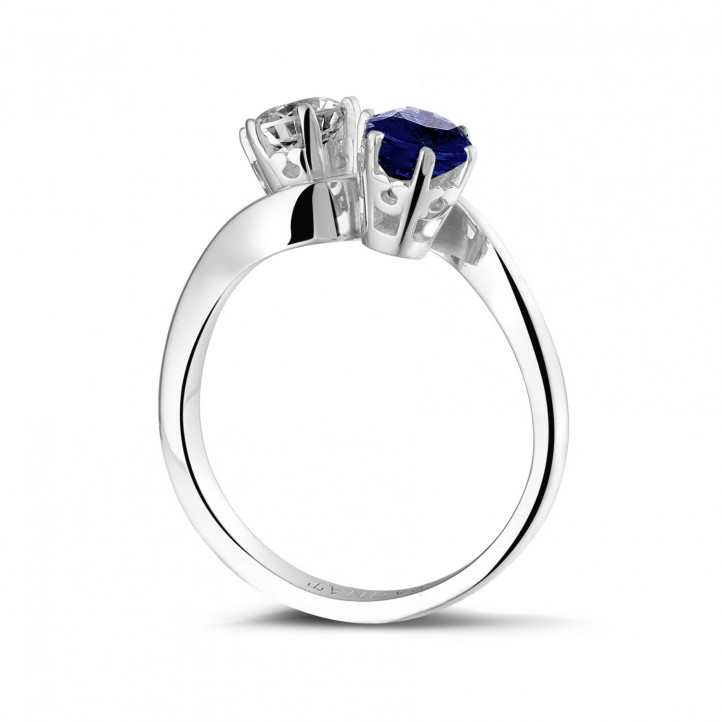 Toi et Moi ring in platinum with round diamond and sapphire
