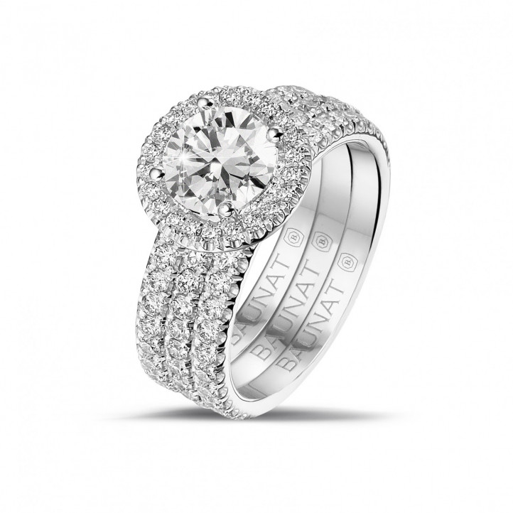 1.20 carat solitaire halo ring in white gold with round diamonds