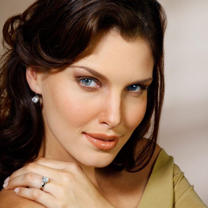 2.50 carat diamond design earrings in platinum with eight studs