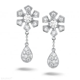 White Gold - 0.90 carat diamond flower earrings in white gold