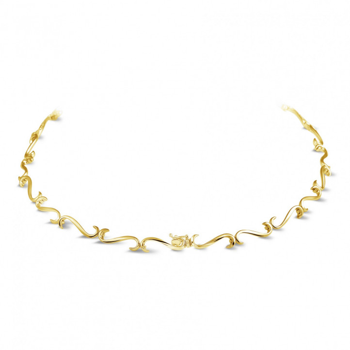 3.65 carat diamond necklace in yellow gold