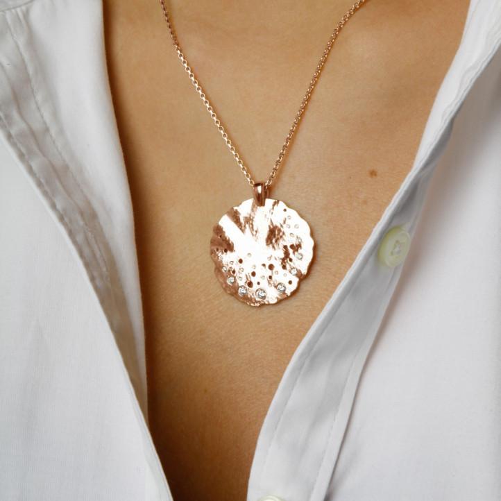 0.46 carat diamond design pendant in red gold