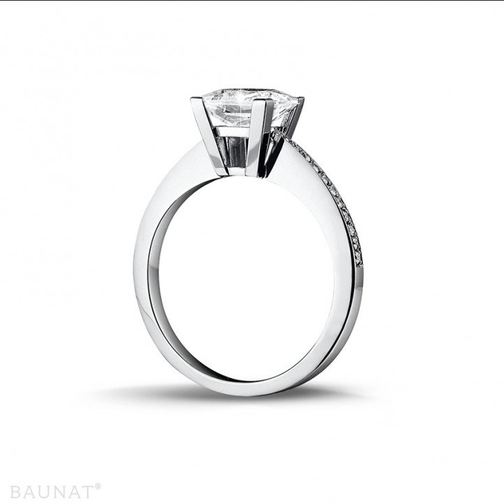 2.00 carat solitaire ring in platinum with princess diamond and side diamonds