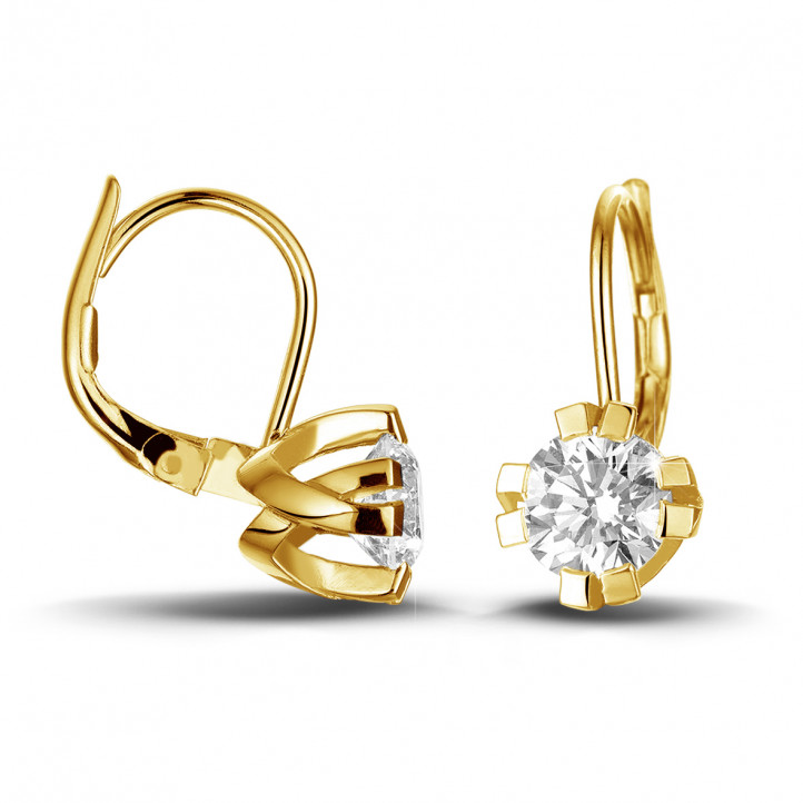 2.20 carat diamond design earrings in yellow gold with eight prongs