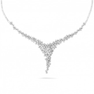Gold necklace - 5.90 carat diamond necklace in white gold