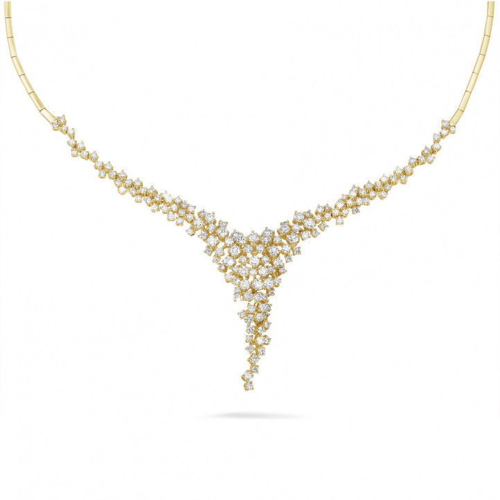 5.90 carat diamond necklace in yellow gold