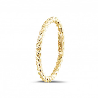 Yellow Gold Diamond Rings - Stackable twisted ring in yellow gold