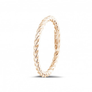 Red Gold Diamond Rings - Stackable twisted ring in red gold