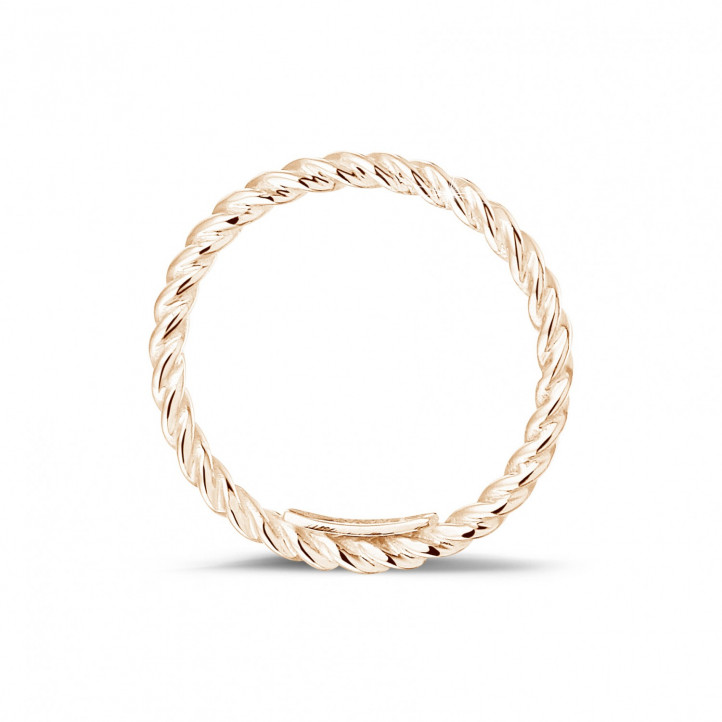 Stackable twisted ring in red gold
