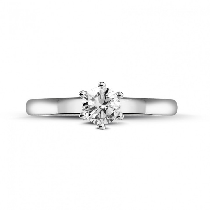 0.30 carat solitaire diamond ring in platinum with six prongs